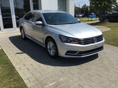 Pre-Owned 2017 Volkswagen Passat 1.8T S FWD 4D Sedan
